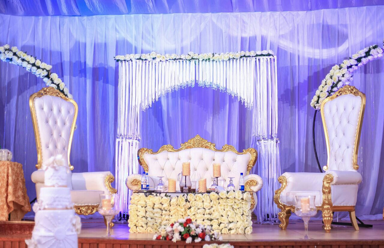 What kind of role does a sofa play in a wedding?