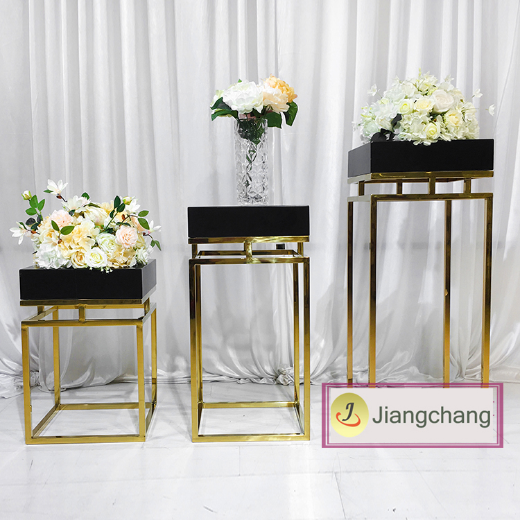 High-quality-metal-base-gold-wedding-decoration