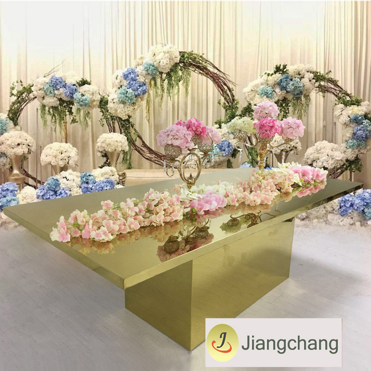 Modern-rectangular-gold-stainless-steel-frame-wedding (4)
